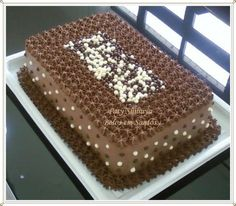 http://patyshibuya.com.br/ Bolo Decorado by Paty Shibuya Decorated Cake by Paty Shibuya Bolo de Chocolate (Chocolate Cake)