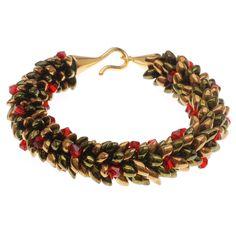 Tutorial - How to: Beaded Kumihimo Holiday Wreath Bracelet | Beadaholique