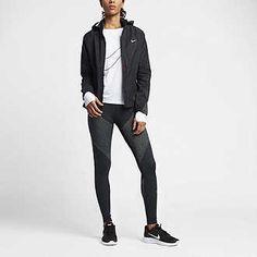 m.nike.com us en_us pw womens-black-and-white-collection-clothing 1mdZ7ptZoco?ipp=24