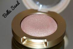 Milani Cosmetics Bella Gel Powder Eyeshadow in Bella Sand.  #milanicosmetics