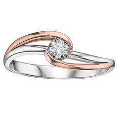 Bague de fiancailles avec un diamant Canadien solitaire de 0.06 Carat -Chaque diamant est numéroté et certifié de pureté I. La couleur varie pour chaque diamant. en or 2-tons 10K (blanc et rose)