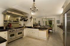 large eat-in-kitchen