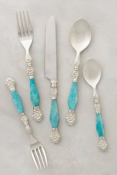 Kitchen Collection: all about aqua (& turquoise) If you're looking for a kitchen collection that's all about aqua, then you're in luck! Your entire kitchen can be aqua-ed up in just a few minutes! Azul Tiffany, Moroccan Wedding, Shades Of Turquoise, Turquoise Accents, Turquoise Color, Aqua Blue, Purple, Kitchen Collection, Kitchen Accessories
