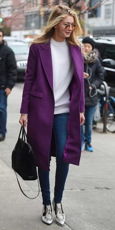 Hadid Proves Once Again That Her Coat Game is On-Point Gig Hadid look cold-weather chic in a long purple coat, cream seater, and snake-print boots.Gig Hadid look cold-weather chic in a long purple coat, cream seater, and snake-print boots. Purple Fashion, Look Fashion, Womens Fashion, Street Fashion, Fashion Details, Fashion 2018, Trendy Fashion, Fashion News, Look Gamine