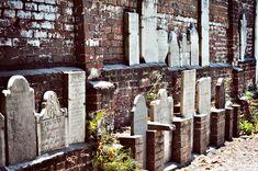 Genealogy for Kids: Cemetery Scavenger Hunt | climbingmyfamilytree.com