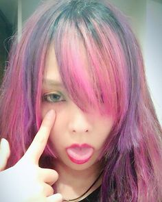 WEBSTA @ kamikiaya30 - もう自分がどうしたいのかわかりません😂#マニパニ#ism#ピンク#紫
