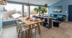 Tid for Hjem, Urban-nature Cabin - Oliver Heath Open Plan Kitchen, New Kitchen, Dining Area, Dining Table, Norway Design, Timber Panelling, Simple Living Room, Layout, Lounge Areas