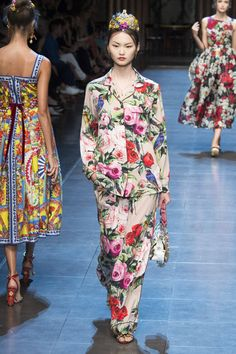 Dolce & Gabbana Spring 2016 Ready-to-Wear Collection Photos - Vogue