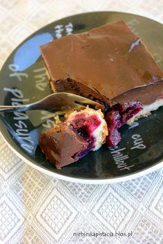 Creamy Chocolate Pudding Cake with Cherries   Kruche ciasto z czereśniami i czekoladowym kremem (in Polish)
