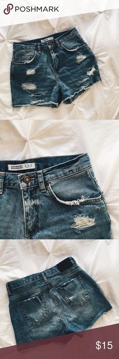 Zara Basic Denim Distressed Jean Shorts Zara Basic Denim Distressed Jean Shorts, Size 2, High waisted. Perfect basic staple for any wardrobe ☀️ only worn twice Zara Shorts Jean Shorts