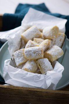 Perfektes Geschenk in der Weihanchtszeit  Marzipan Traumstücke mit Mandeln