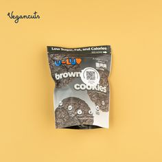 🍫🍪The U-LUV Foods Brownie Cookies are #glutenfree and all of the ingredients are #sustainable. Enjoy this crunchy #chocolate treat on its own or crumble over ice cream or yogurt. Get yours now in the Vegancuts April Snack Box. #vegansnacks