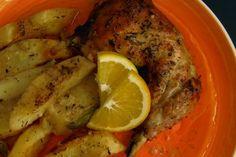 Κοτόπουλο στον φούρνο, αλλά με συνταγή «πειραγμένη». Σαν αυτές τις μεταμοντέρνες μαγκιές που κάνουν οι σεφ για να ξεχωρίσουν. Λεμόνι, πορτοκάλι, μανταρίνι...