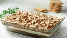 Millefeuille of petit beurre with cream and chocolate Greek Sweets, Greek Desserts, Cold Desserts, Party Desserts, Cookie Desserts, Greek Recipes, Delicious Desserts, Pastry Recipes, Sweets Recipes
