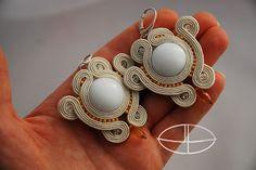 Creamy soutache earrings