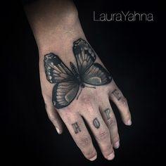 laurayahna:  Laura Yahna    Laura Yahna