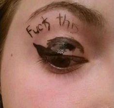 Eyeliner im echten Leben: