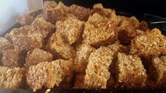 Hardloop Beskuit: A Sure thing - South African Magazine Rusk Recipe, Oatmeal Cookie Bars, Oven Pan, Large Oven, South African Recipes, Plain Yogurt, Biscuit Recipe, Bite Size, Dog Food Recipes