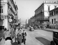 Downtown Athens (Stadiou str) in the Vintage Pictures, Old Pictures, Old Photos, Athens Acropolis, Athens Greece, Greece Pictures, City People, Photo B, Thessaloniki
