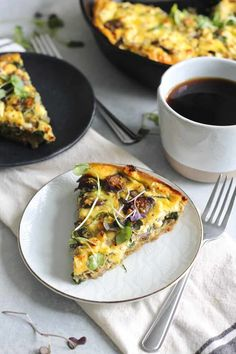 Spinach, Mushroom and Artichoke Quiche with Spelt Crust - Hummusapien Mushroom And Spinach Quiche, Spinach Stuffed Mushrooms, Stuffed Peppers, Veggie Main Dishes, Brunch Dishes, Egg Dish, Quiche Recipes, Mushroom Recipes