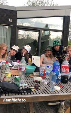 VSCO - ellensofiaaaaa Cute Friends, Best Friends, Teenager Boys, Photo Couple, Family Photo, Summer Dream, Jolie Photo, Summer Aesthetic, Teenage Dream