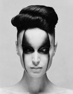 Maquillage noir et blanc : dégradé, masque #makeup  #face #black_and_white #photography #dark #gloomy #gradient