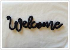 """""""Welcome"""" en laine et au tricotin décoration murale personnalisable mot en tricotin NOIR : Décorations murales par les-mots-doux-en-laine-au-tricotin"""