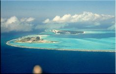 Midway Island and the French Frigate Shoals Midway Atoll, Cook Islands, Vanuatu, Papua New Guinea, Bora Bora, Fiji, Travel Guides, Mother Nature, Airplane View