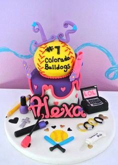 softball cake Follow with style - http://pinterest.com /ImStyle