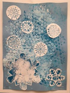 snowflake printmaking collage - like the bubble print background ! Winter Activities For Kids, Winter Crafts For Kids, Winter Fun, Winter Theme, Art Activities, Kids Crafts, Winter Art Projects, Winter Project, Christmas Art For Kids