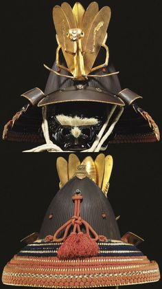120 plate shiinari (acorn shape) suji-bachi kabuto by Saotome Iechika. Samurai Helmet, Samurai Weapons, Samurai Armor, Arm Armor, Body Armor, Japanese Warrior, Japanese Sword, Japanese Art, Battle Dress