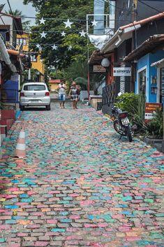 Rua du Séu - Praia de Pipa, Brazil | heneedsfood.com