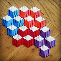 Geometric desgn perler beads by Thea IMYBY