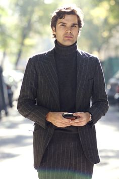 I like the layers of wool. A cozy winter suit with a turtleneck.