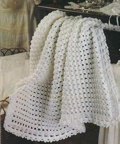 Crochet baby blanket pattern The pattern in written in English, using US crochet terms The pattern comes with: Plaid Au Crochet, Crochet Yarn, Crochet Stitches, Free Crochet, Vintage Crochet Patterns, Crochet Blanket Patterns, Baby Blanket Crochet, Crochet Designs, Crochet Afgans