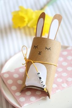 Toilet paper rolls upcycling - Easter bunnies tinker gift box: Easter is a joy for a small gift. The rabbit gift box is ideal for an Easter surprise. The Bunny Box is also suitable as a place card or as an Easter table decoration. The DIY gift box an Diy Gift Box, Diy Gifts, Gift Boxes, Gift Tags, Diy For Kids, Crafts For Kids, Summer Crafts, Toilet Paper Roll Crafts, Easter Table Decorations