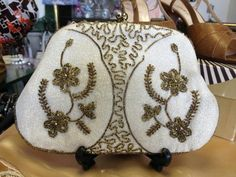 Lovely cream and gold vintage evening bag only £16