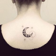 Très touchée, merci Sarah ! #lune #tattoo #violette #bleunoir #bleunoirtattoo…