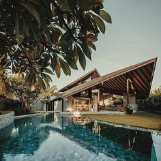 New Roof Landscape Design Pools 42 Ideas Bali Architecture, Tropical Architecture, Concept Architecture, Residential Architecture, Tropical House Design, Tropical Houses, Bali House, Villas, Backyard Pool Designs