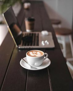 Coffee Cafe, Espresso Coffee, Coffee Humor, Black Coffee, Coffee Drinks, Decaf Coffee, Funny Coffee, Coffee Mugs, Coffee Photos