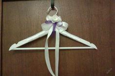Ramínko svatební,slavnostní, dekorace fialová Clothes Hanger, Christmas Ornaments, Holiday Decor, Home Decor, Xmas Ornaments, Homemade Home Decor, Hanger, Closet Hangers, Christmas Jewelry