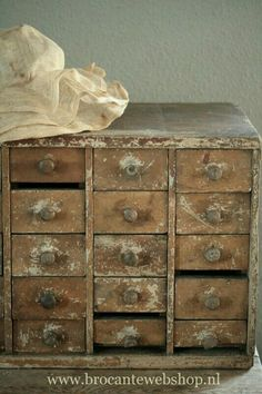 Sewing Room Decor, Shabby Decor, Old Wood, Vintage House, Primitive Decorating, Wood, Rustic Decor, Upcycle Decor, Pretty Decor