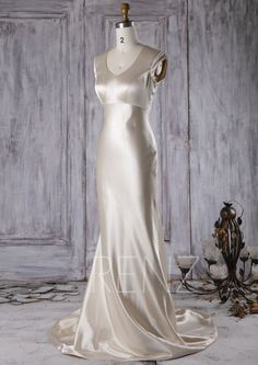 2016 Beige Taffeta Bridesmaid Dress Scoop Neck Wedding by RenzRags