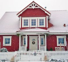 The cottage in Canada . Red Houses, Fancy Houses, Wooden Houses, Nordic Home, Scandinavian Home, Build My Own House, Home Focus, Sweden House, Small Tiny House