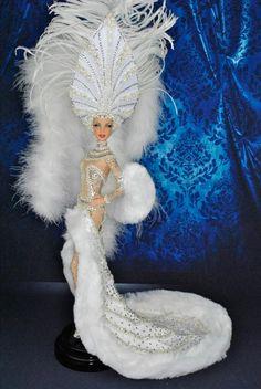 #doll #costumes #barbies les follie  ......../...24.33
