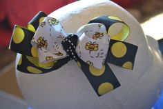 Bumble Bee Bow by DiLeeEmporium on Etsy