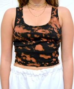 cotton cropped & ribbed baby tank, hand dyed in Los Angeles Diy Tie Dye Tank Top, Cute Tie Dye Shirts, Batik Mode, White Crop Top Tank, Tie Dye Fashion, Tie Dye Outfits, How To Tie Dye, Lazy Day Outfits, Retro Outfits