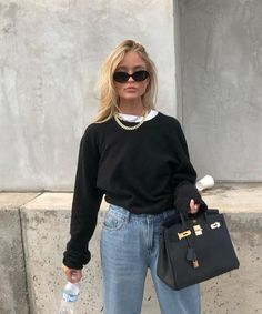 overall jean outfit Fashion Mode, Fashion Killa, Look Fashion, Winter Fashion, Womens Fashion, Fashion Beauty, Mode Outfits, Winter Outfits, Casual Outfits