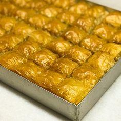 Μπακλαβάς εύκολος Macaroni And Cheese, Ethnic Recipes, Food, Mac And Cheese, Meals, Yemek, Eten
