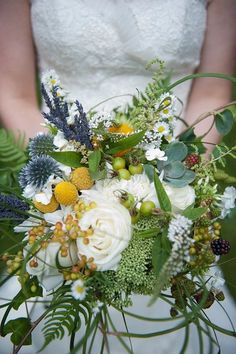 Flowers by Petal & Kettle Photo by Snap Photography
